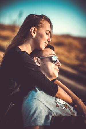 femme romantique: Girlfriend with her boyfriend outdoor in the forest