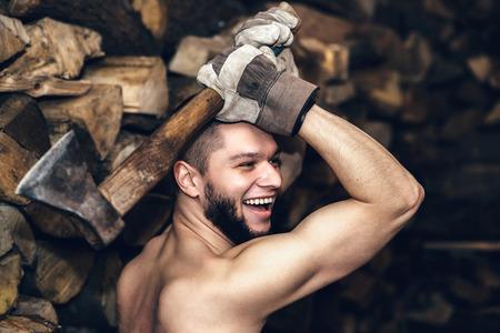 Resultado de imagen de cortar leña strongman
