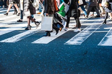 senda peatonal: La gente, paso de peatones