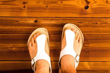sandalias: Pies con sandalias