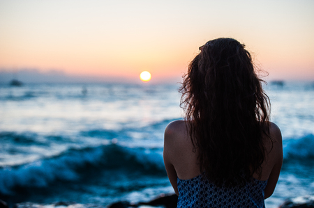 heartbreak: Women who stare at the sunset