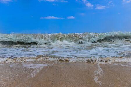 powerful: Looming large wave, powerful