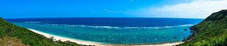 沖縄、サンゴ礁の海 写真素材 - 58683293