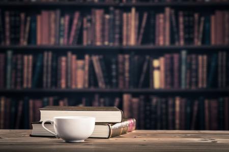 コーヒーと読書 写真素材