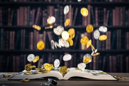 本とお金 写真素材