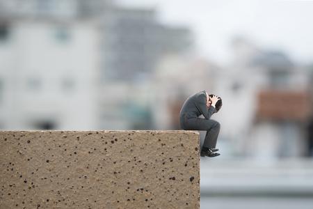 les hommes souffrant Banque d'images