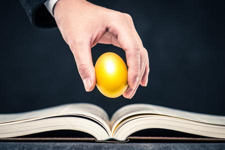 金の卵、ラッキー 写真素材