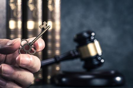 キーと法律 写真素材