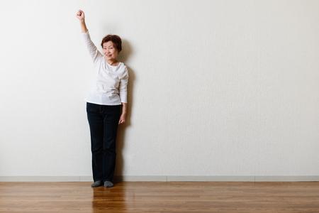 Shooting in the room, Asian senior women Фото со стока - 79444771