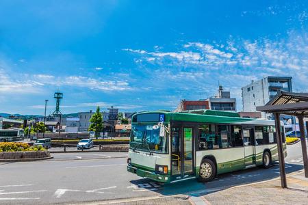 バス 報道画像