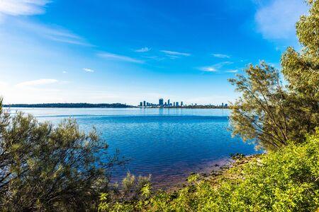 オーストラリアパーススワン川 写真素材 - 86356041
