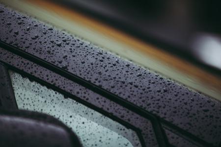 濡れた車体
