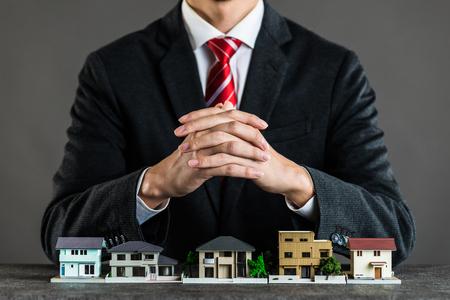 家の販売の実業家