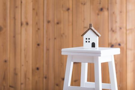 ホームイメージと木材 写真素材