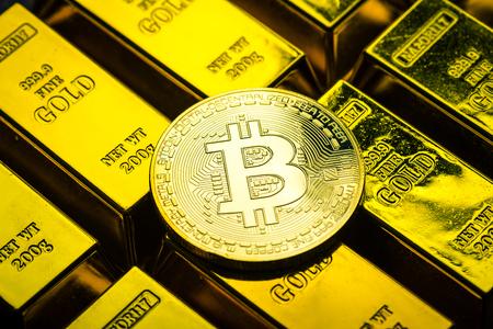 ビットコインと金 写真素材