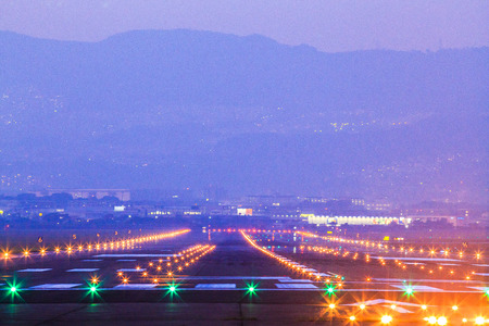 Light and runway Standard-Bild - 124815901