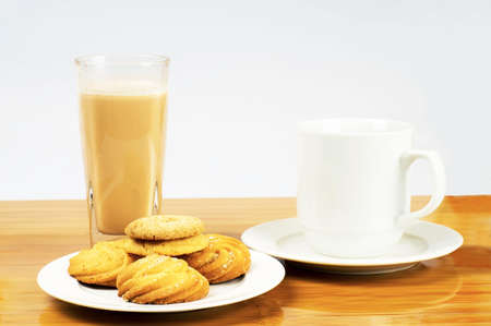 collocation: Cookies and milk tea breakfast collocation