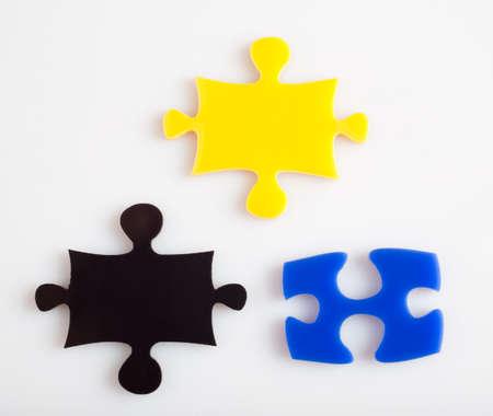 concept images: Tre pezzi del puzzle della soluzione di colore metafora, immagini concetto di business