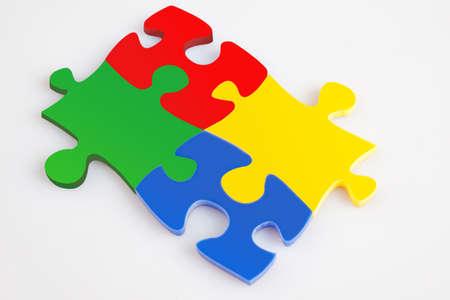 concept images: Quattro pezzi del puzzle della soluzione di colore metafora, immagini concetto di business