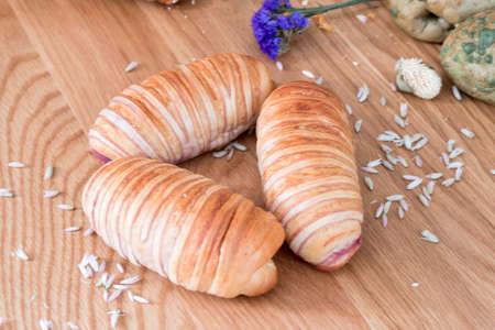 fillings: Three purple potato fillings of bread