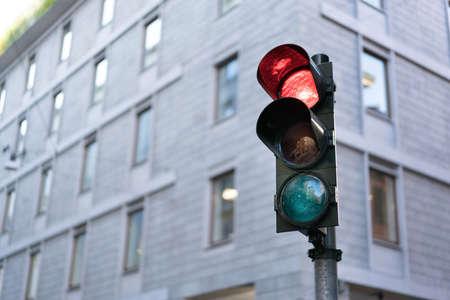 semaforo rosso in centro