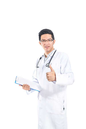 ハンサムなアジア医者は親指、上分離白背景、医療や病院のコンセプト
