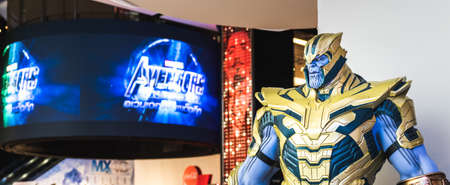 Bangkok, Thailand - Apr 28, 2019: Life-sized Thanos model show in Avengers Endgame exhibition booth. Movie promotional advertisement event, or film industry marketing concept 新聞圖片