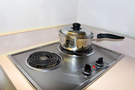 electric stove: Cooking on the mini electric stove top