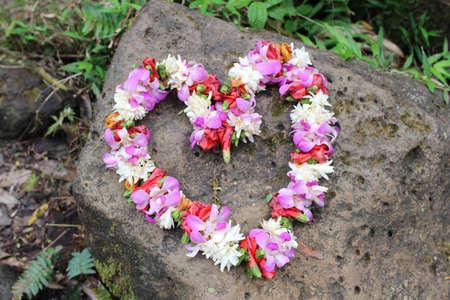 phalaenopsis: Heart shaped wreath made of fresh flowers - Hawaiian Lei