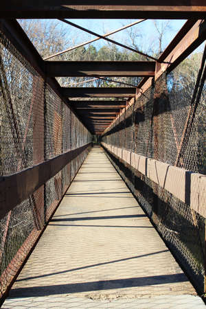 pedestrian bridge: Old footbridge to Texas Beach, North Bank Trail, Richmond, Virginia, USA