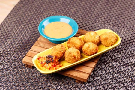 Deep Fried Cheese Balls with sause