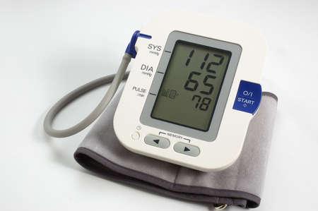 Tonometer electronic