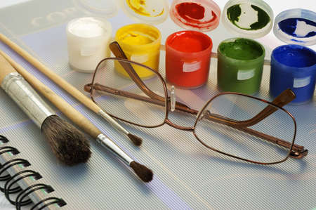 art paint brushes & gouache Standard-Bild