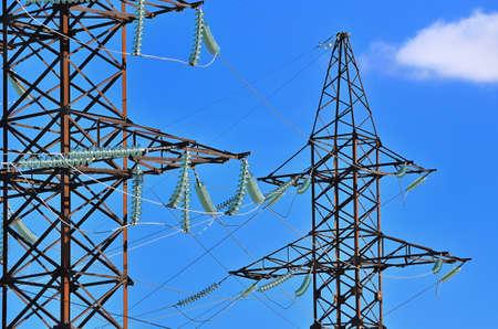 zelektryzować: styczna wieża wysokiego napięcia elektrycznego main Zdjęcie Seryjne