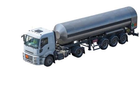 camión cisterna: coche con el tanque aislado en fondo blanco