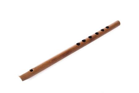 fagot: Rodzajowy Vaprus indyjskich, tradycyjnych handcrafted instrument muzyczny, samodzielnie na biaÅ'ym tle Zdjęcie Seryjne