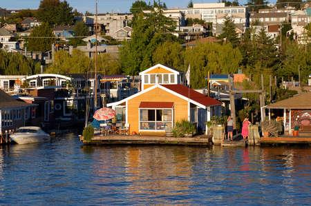 houseboat: Houseboat in Seattle