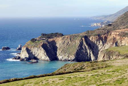 晴れた日にカリフォルニアの海岸沿いの美しいビッグ ・ サー