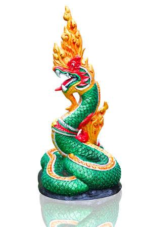 Naga Thai statue d'isoler sur le fond blanc