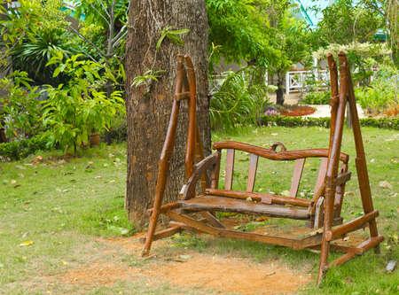 banc de bois dans le jardin, d�coration dans la maison