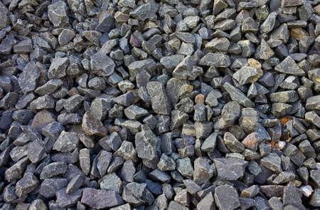 Gros plan de beaucoup de pierres dans le chantier de construction