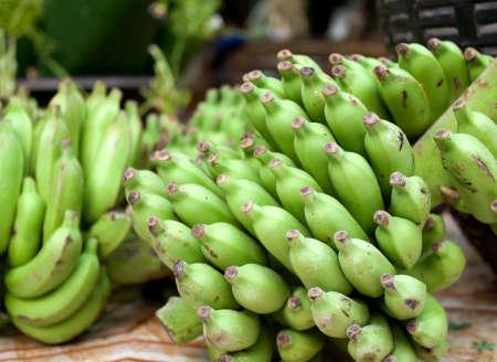 Gros plan de la banane verte fra�che