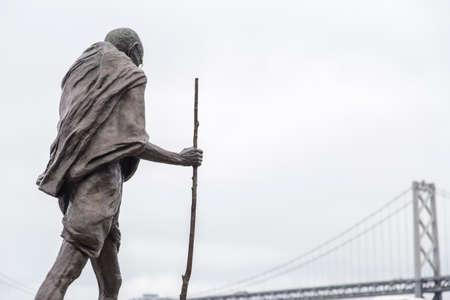 Statue of Ghandi in the Embarcadero center, San Francisco, California Editöryel