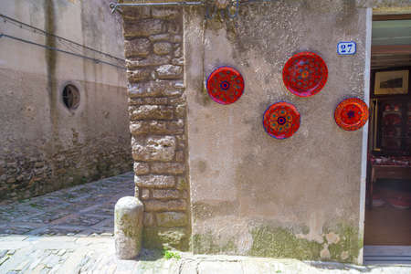 erice: Traditional Sicilian pottery on display in Erice, Sicily, Italy Stock Photo