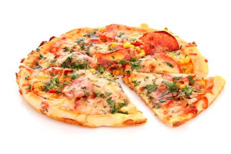 pizza: Smakelijke Italiaanse pizza over white