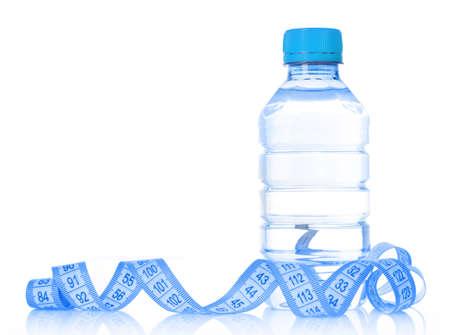 Blaues Maßband und Wasserflasche