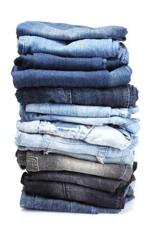 洋服: 多くの白で隔離されるブルー ・ ジーンズ