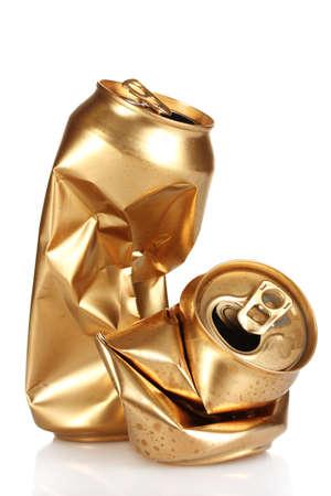 cola canette: froiss� canettes vides isol�es sur blanc Banque d'images
