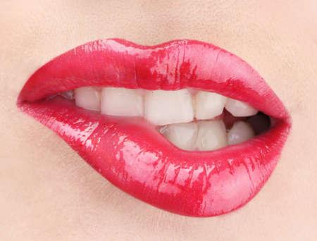 mooie make-up van glamour rode glans lippen Stockfoto