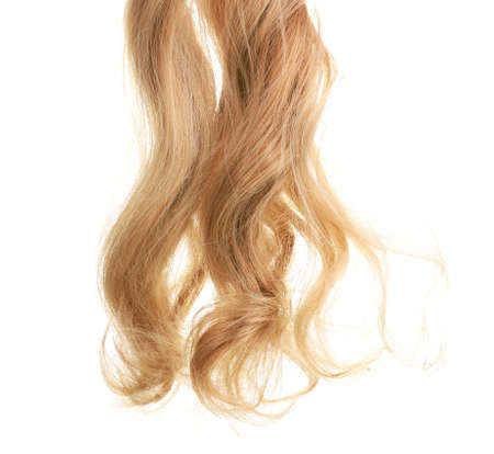 cabello rubio: El pelo rizado rubio, aislado en blanco